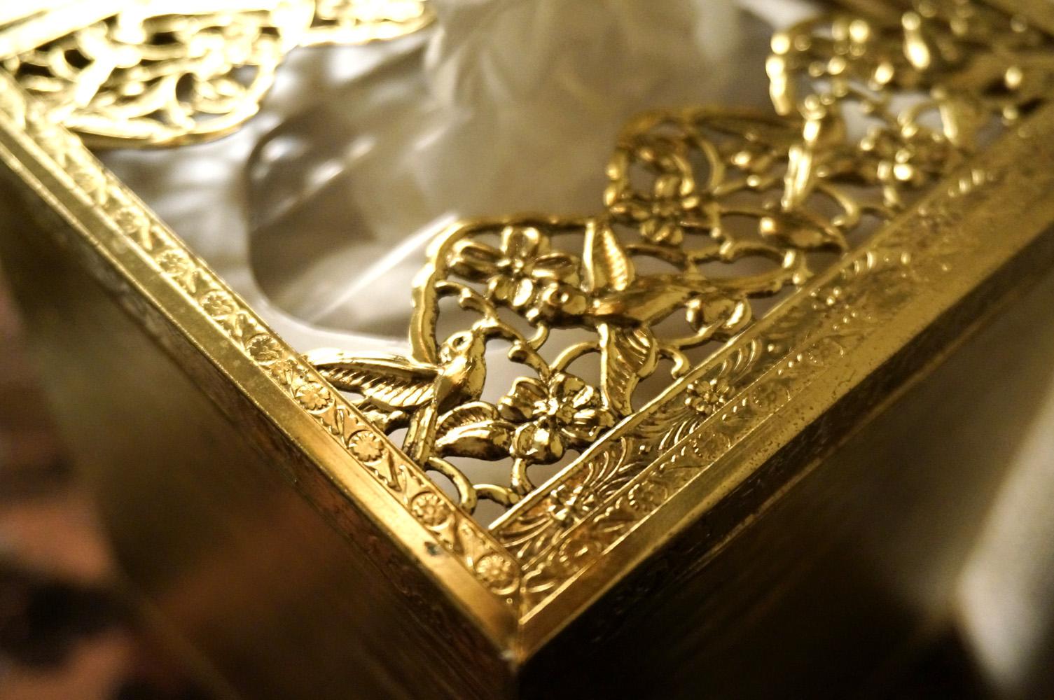 ゴールド ポピー ティッシュボックス 上部