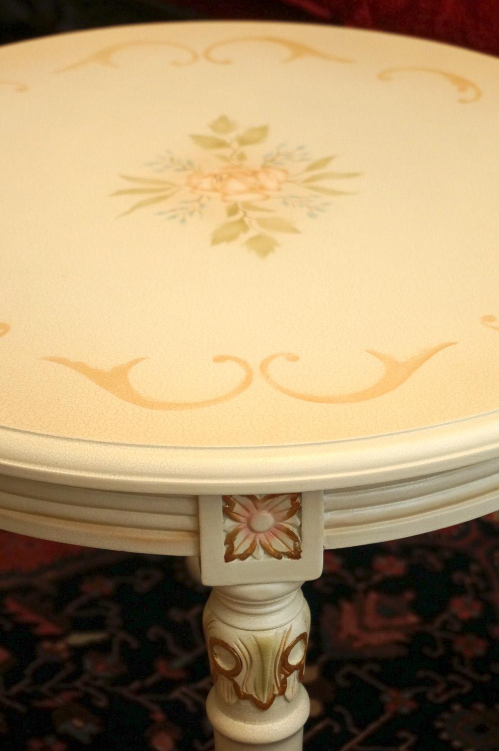 イギリス製 ホワイトローズ サイドテーブル 拡大