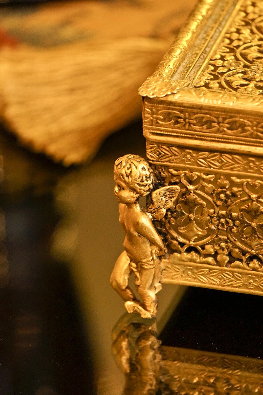 スタイルビルト製 ゴールド 天使 ティッシュボックス 拡大