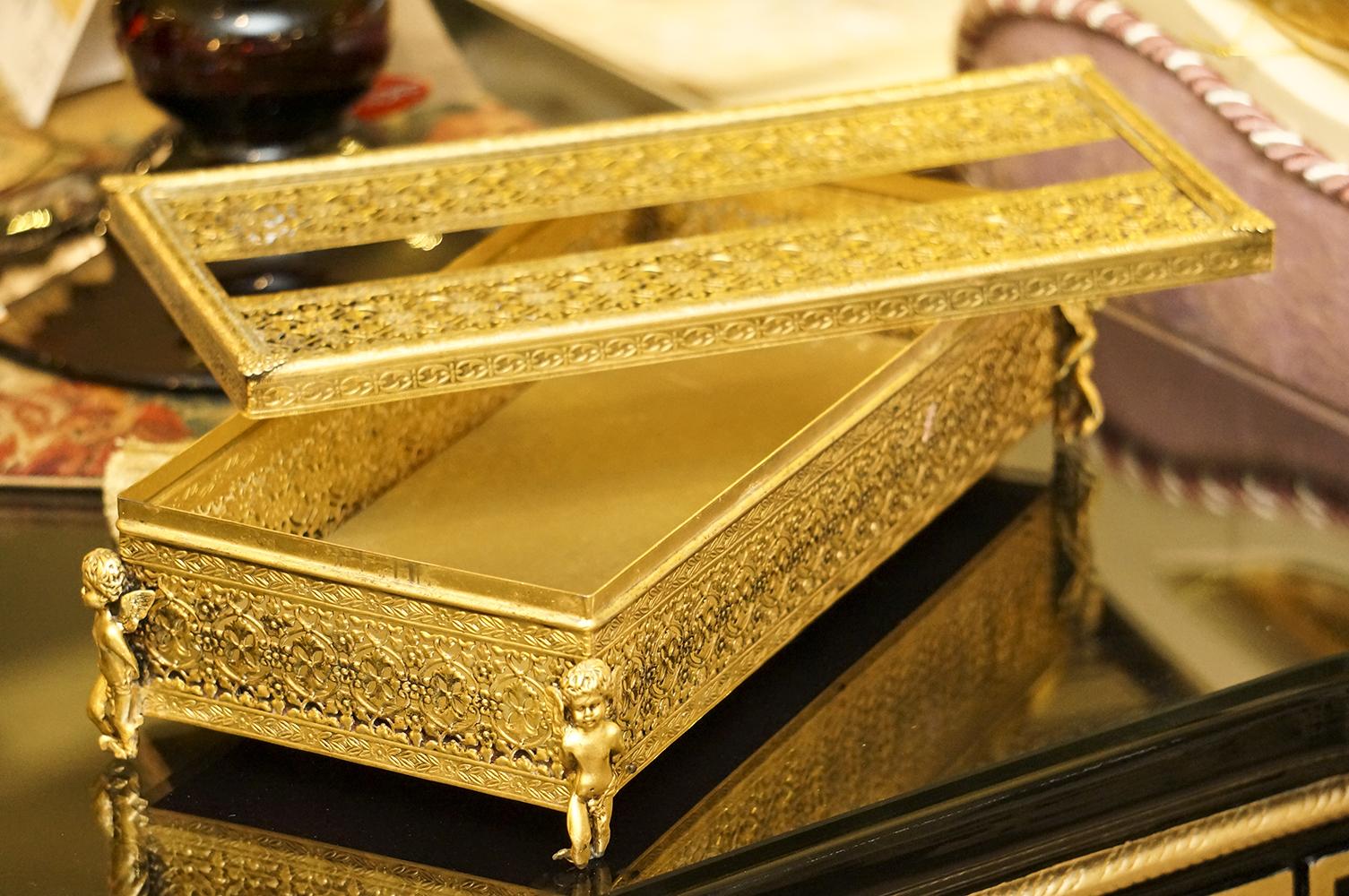 スタイルビルト製 ゴールド 天使 ティッシュボックス 開けた状態