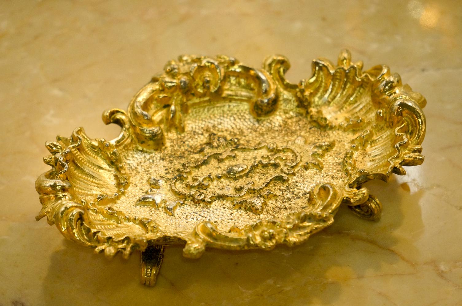 Sold: スタイルビルト製 ゴールド ソープディッシュ