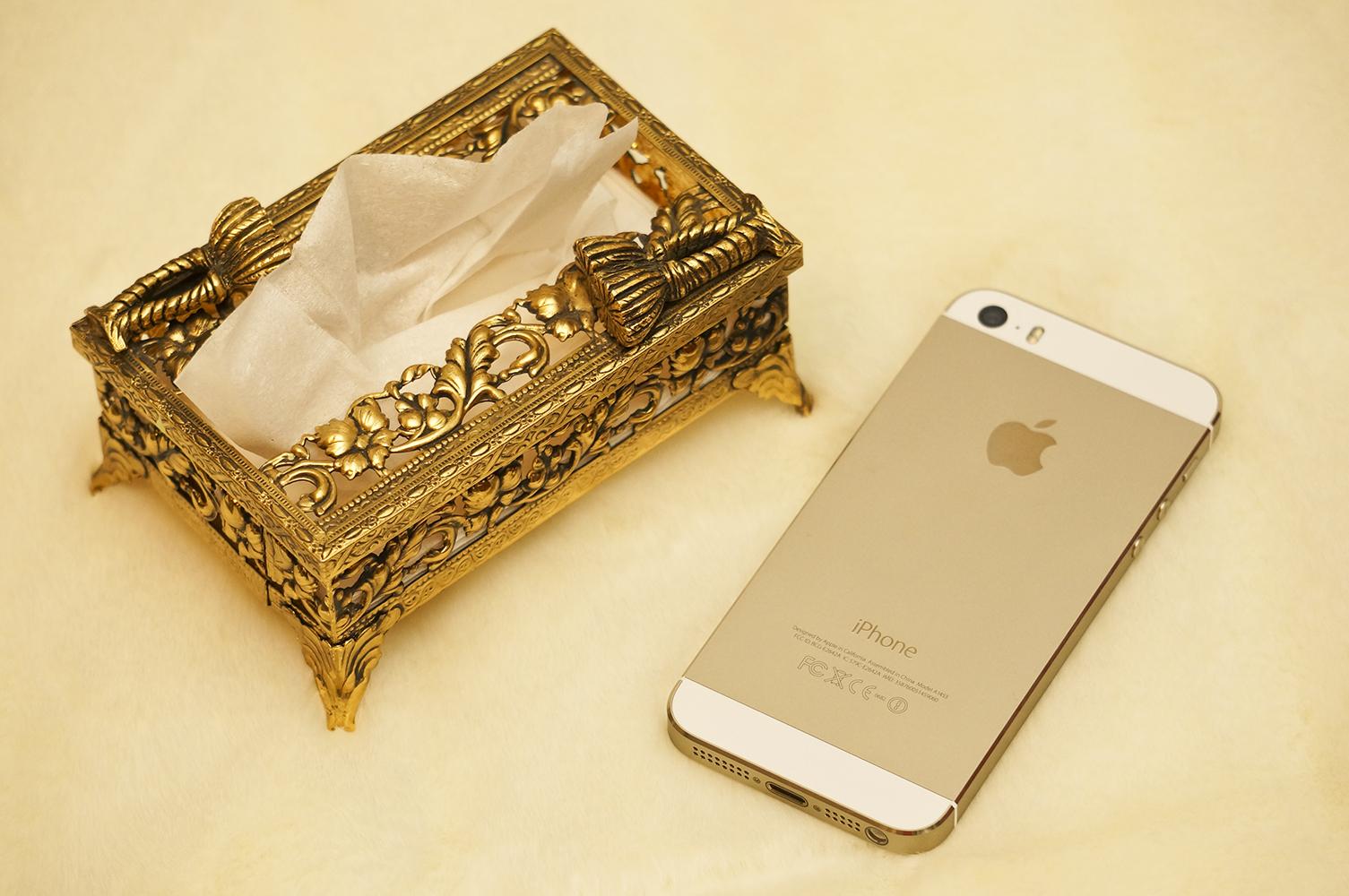 スタイルビルト製 ゴールド ミニ ロープ ティッシュボックス iPhone 5Sと比較