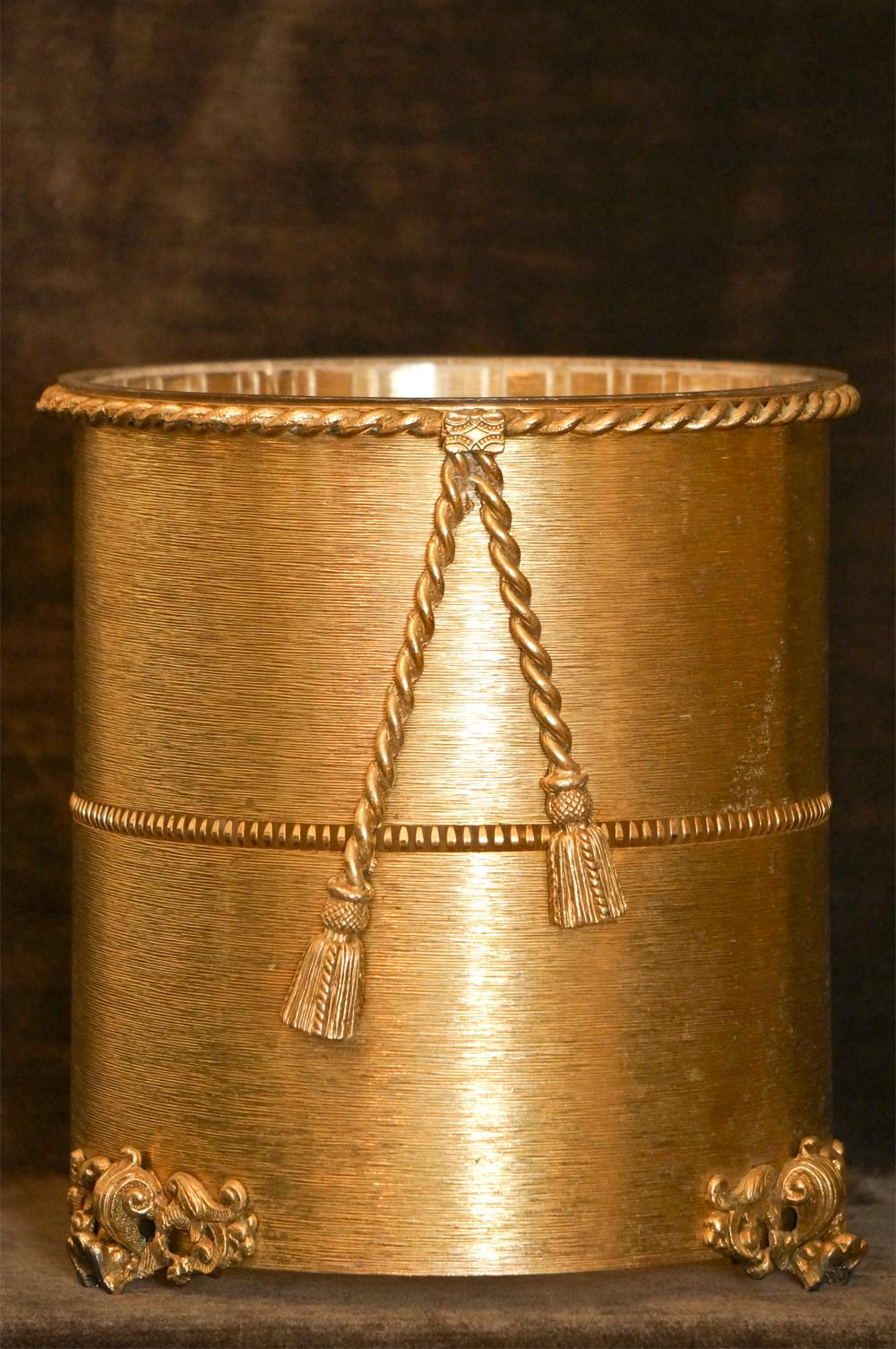 Sold:スタイルビルト製 ゴールド ロープ ゴミ箱
