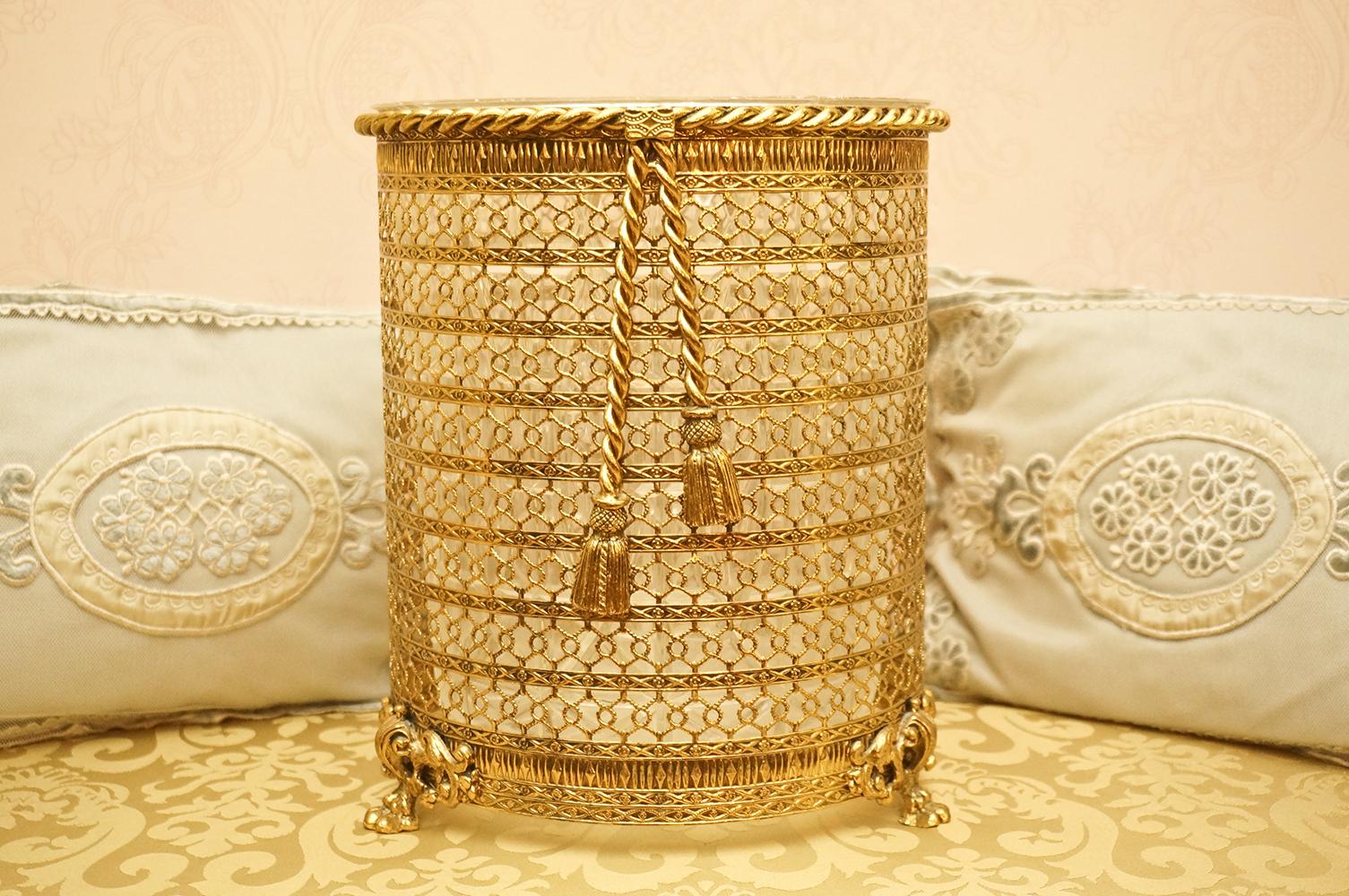 Sold: スタイルビルト ゴールド ロープ透かし ゴミ箱