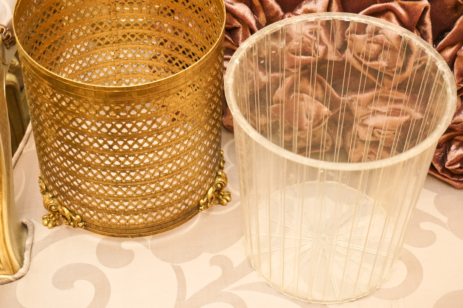 スタイルビルト製 ゴールド ハート ゴミ箱 カバーを外した状態