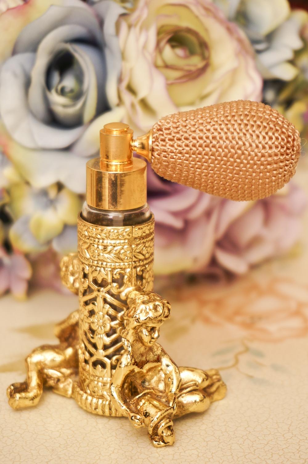 スタイルビルト製 ゴールド 女神 アトマイザー