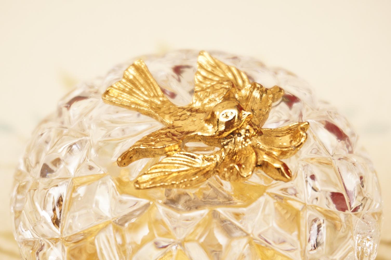 スタイルビルト製 ゴールド 小鳥とハナミズキ 小物入れ 拡大