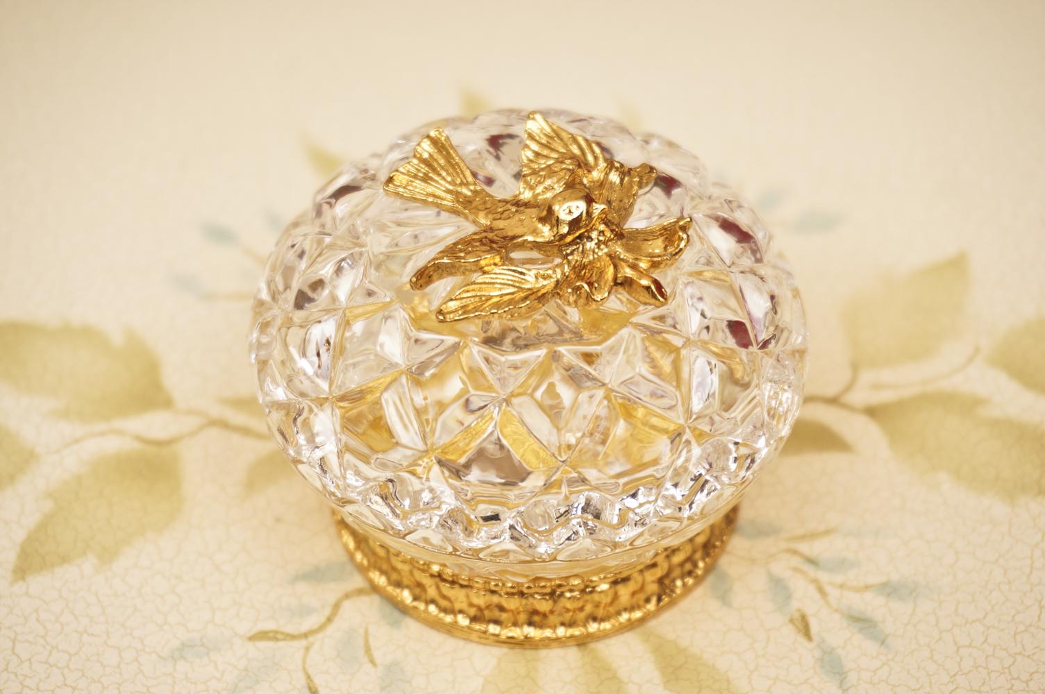 Sold:スタイルビルト製 ゴールド 小鳥とハナミズキ 小物入れ