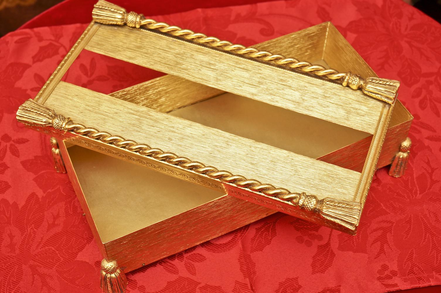 スタイルビルト製 ゴールド ロープ脚 ティッシュボックス 開けた状態
