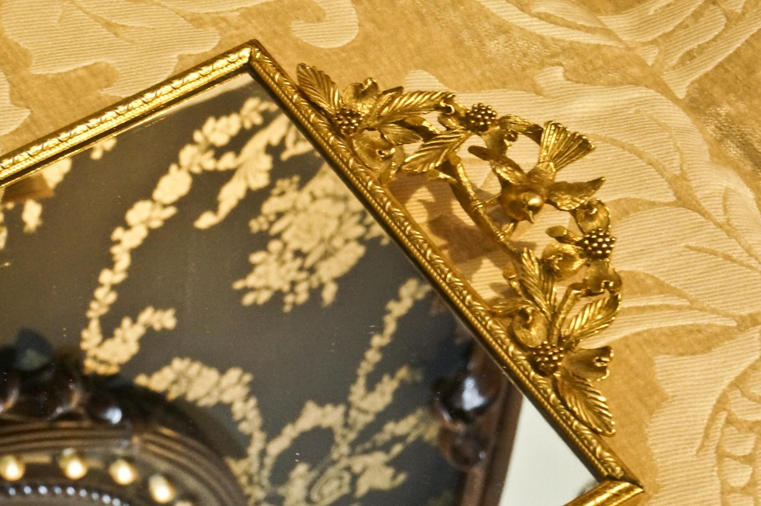 マトソン製 ゴールド 小鳥とハナミズキ 長方形 バニティミラートレー 拡大