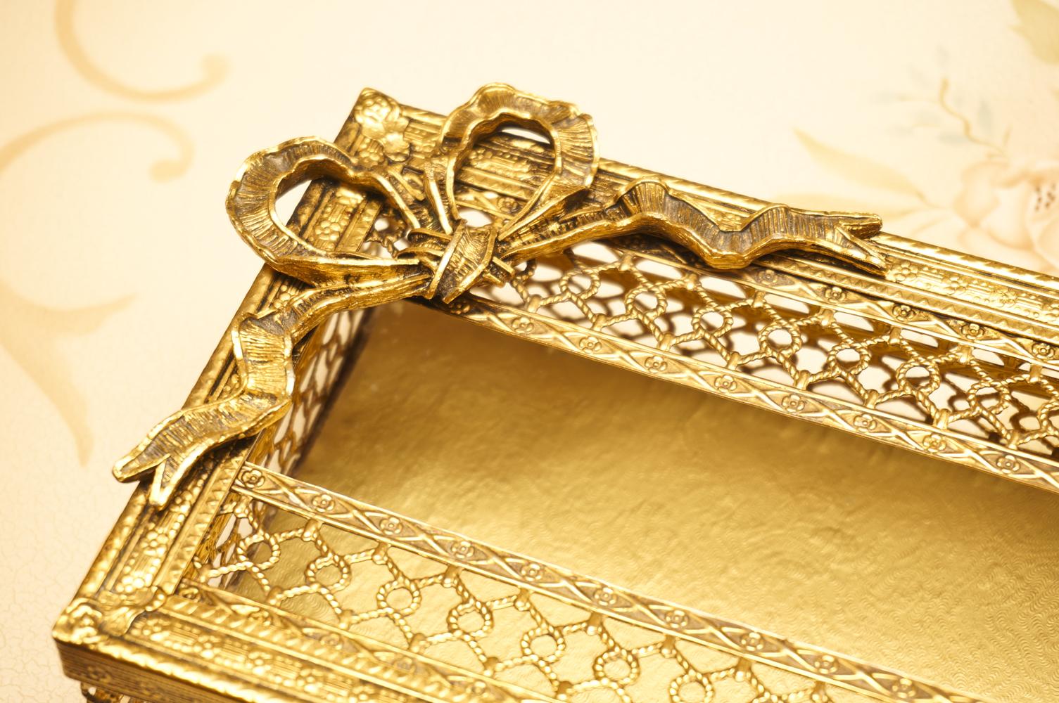 スタイルビルト製 ゴールド リボン ティッシュボックス 拡大