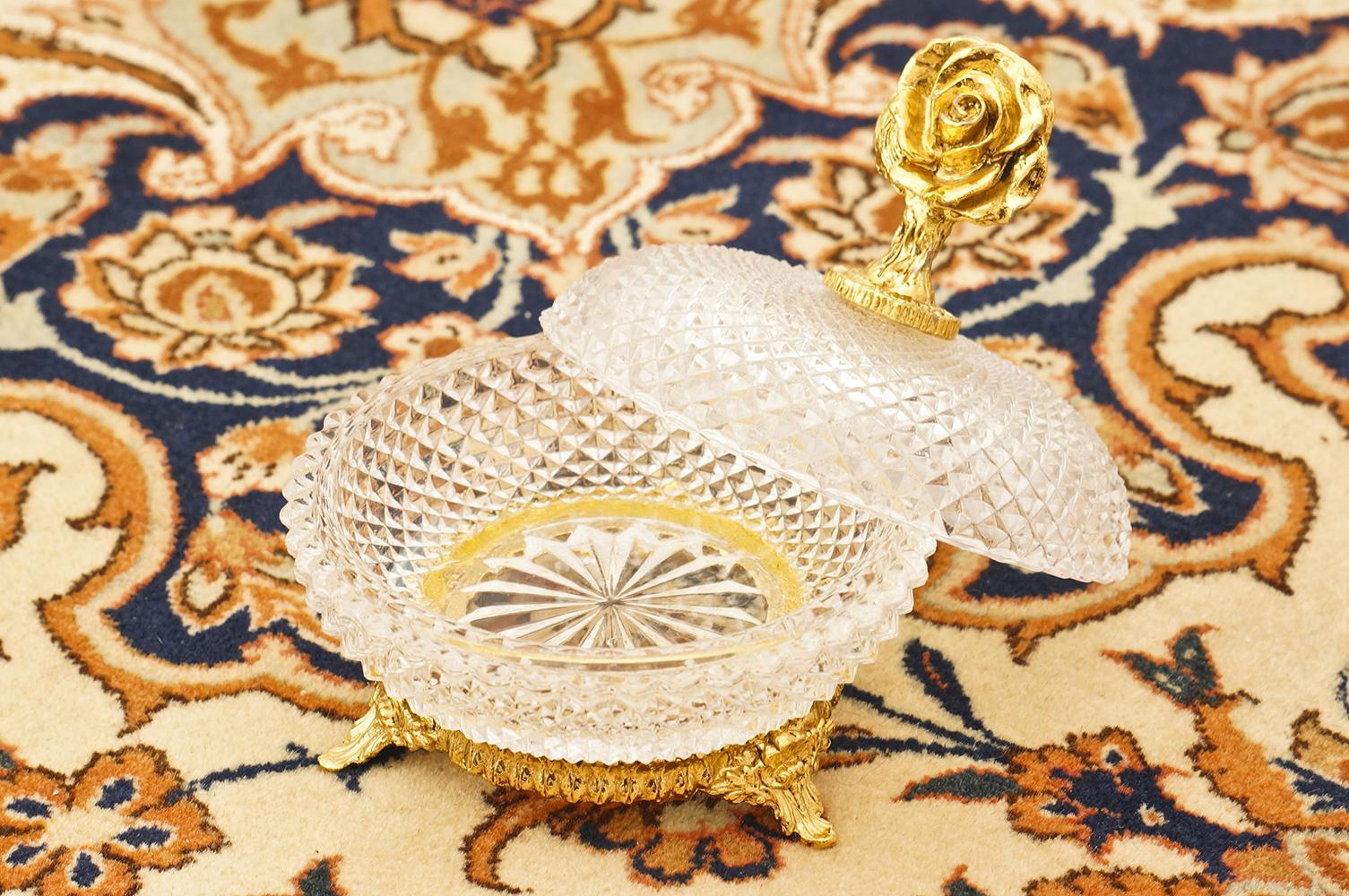 Sold: スタイルビルト製 ゴールド ローズ 小物入れ 開けた状態
