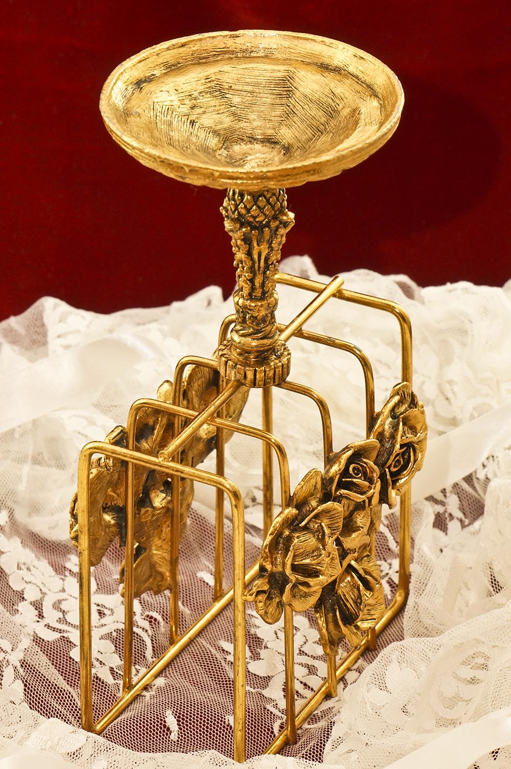スタイルビルト製 ゴールド ローズ スタンド型 タオルホルダー 裏側
