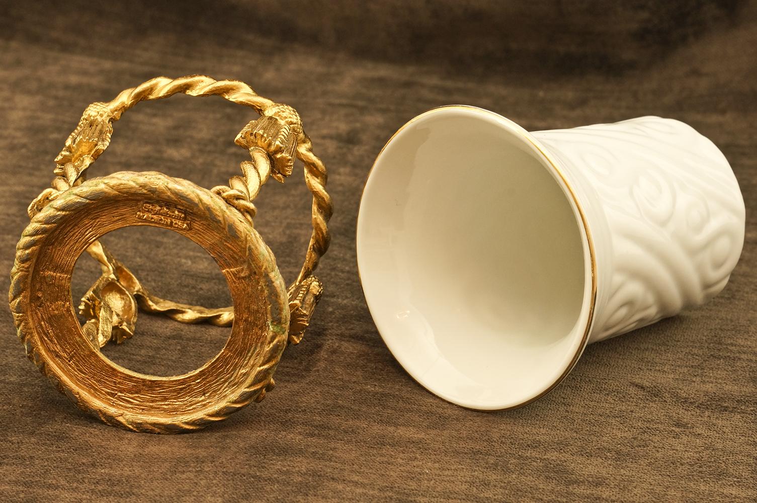 スタイルビルト製 ゴールド 陶器 ロープ タンブラーホールダー 外した状態