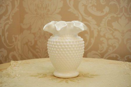 フェントン製 ホブネイル ミルクガラス 花瓶