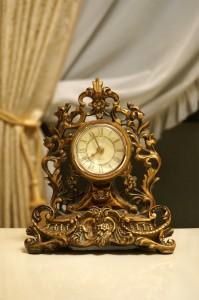 ゴールド アンティーク調 ロイヤル 置き時計