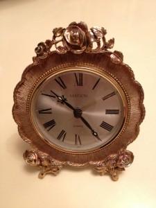 ローズの置き時計