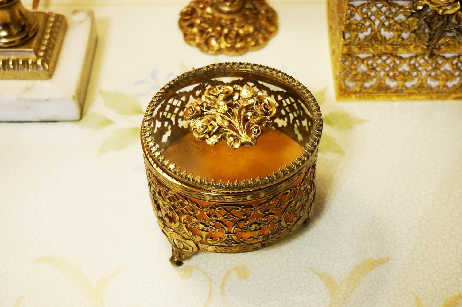 Sold: マトソン製 ゴールド ローズブーケ ジュエリーボックス