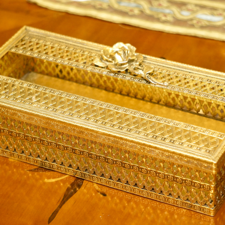 Sold: スタイルビルト製 ゴールド ローズ ティッシュボックス