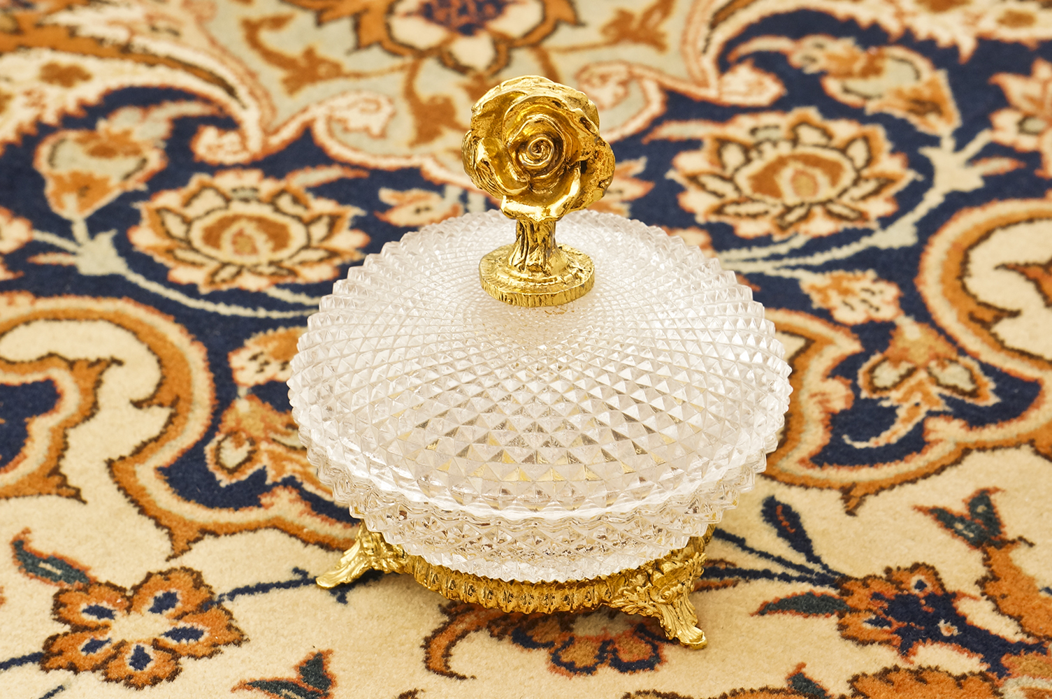 Sold: スタイルビルト製 ゴールド ローズ 小物入れ